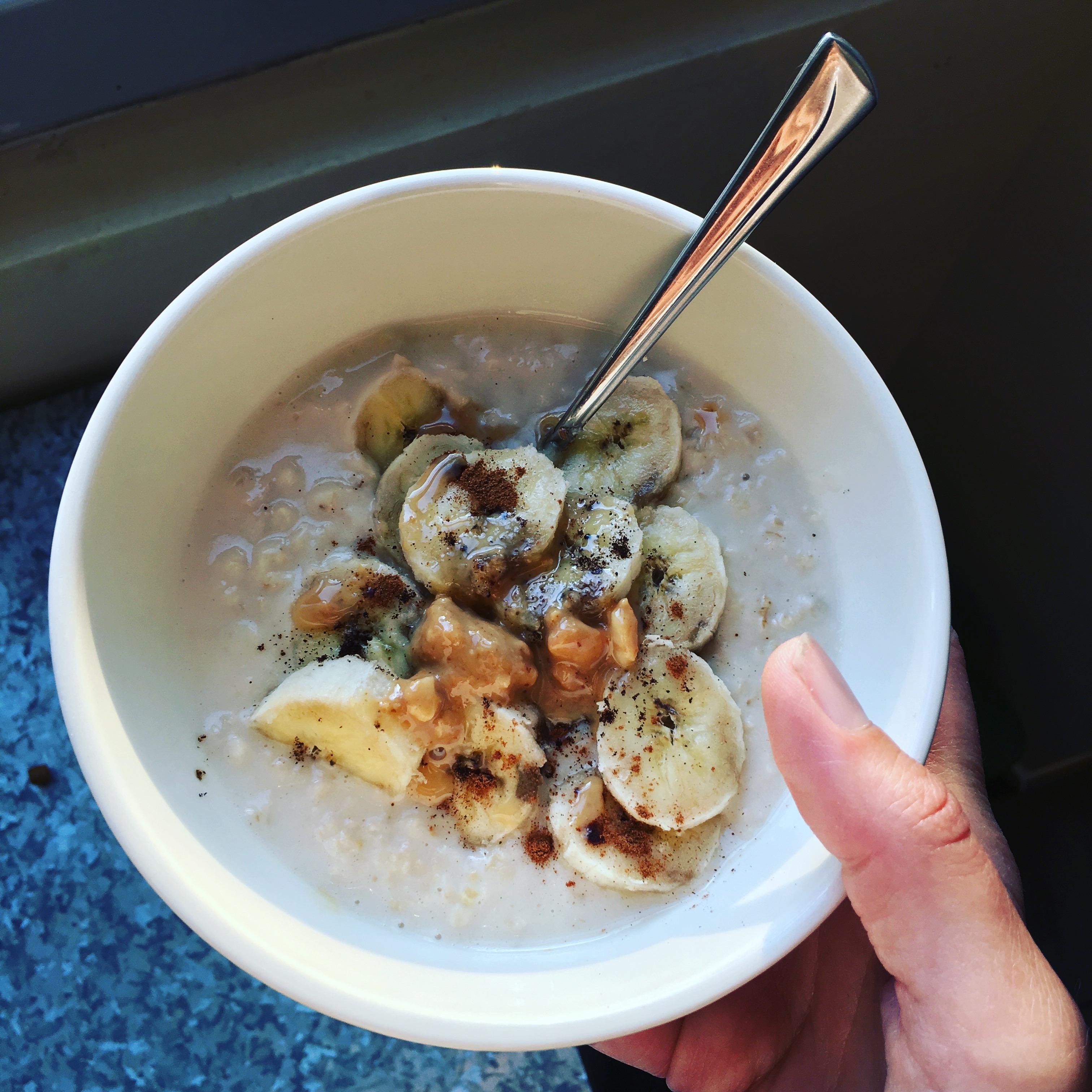 Le green trio le porridge au lait v g tal d 39 amande la boite de chocolats - Recette petit dejeuner sain ...